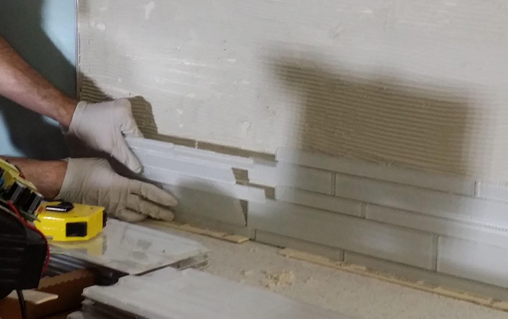 TILE - PLACING ON WALL