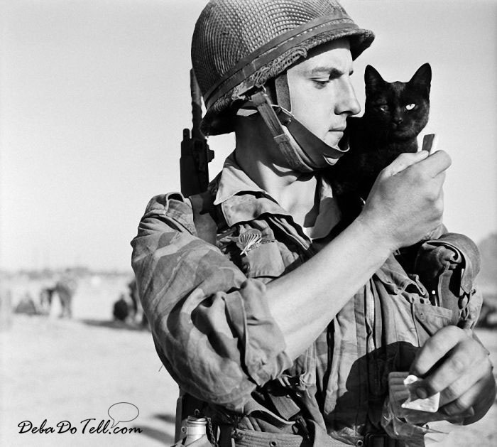 vintage-soldiers-and-kitties-black+cat-DebaDoTell-Deborah-Reed